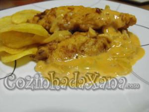 Filetes de peixe-espada com molho de camarão