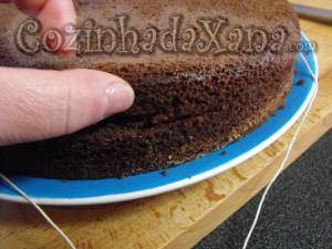 Como cortar um bolo para rechear