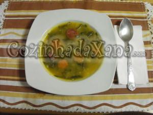 Sopa de abóbora com legumes