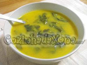 Sopa de cenoura com espinafre