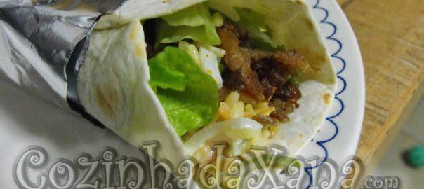 Wrap com arroz de legumes e carne