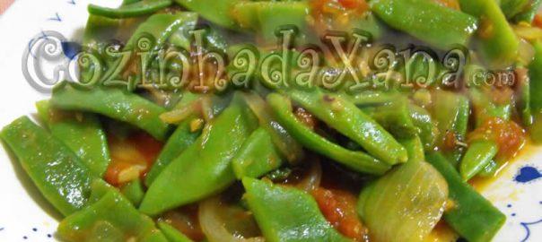 Feijão-verde guisado com tomate)
